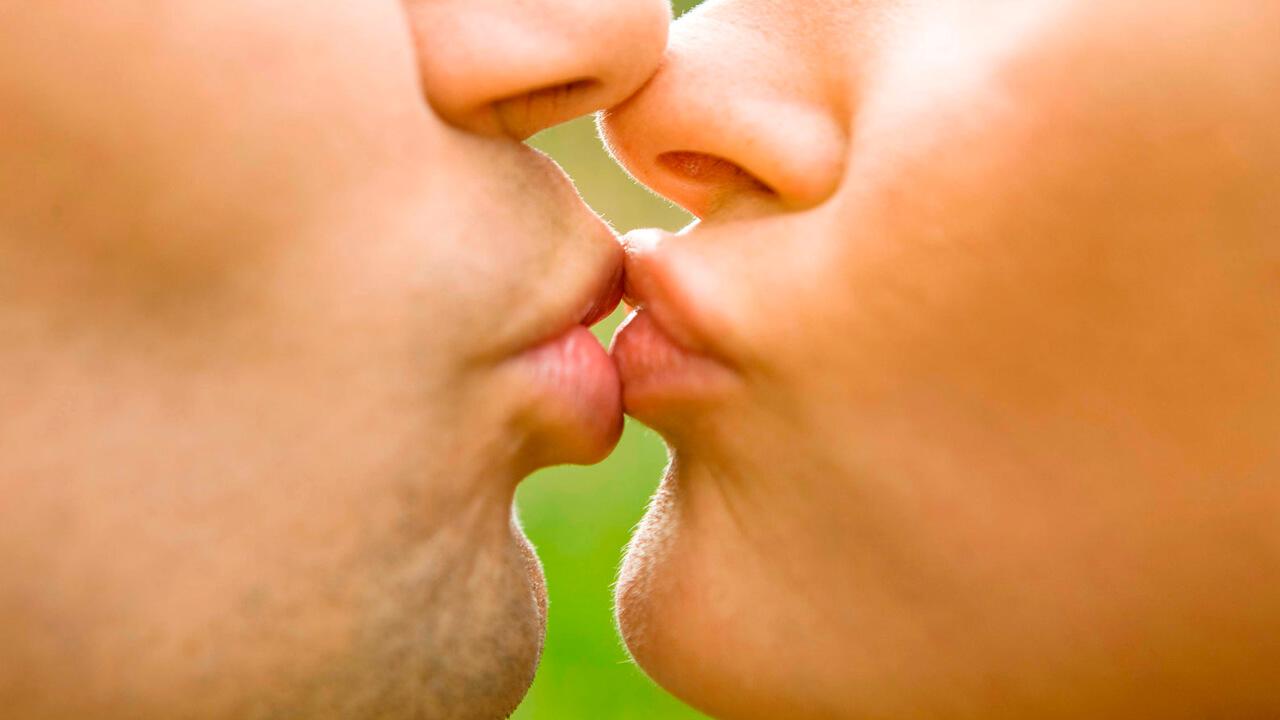 Como besar bien - beso de piquito