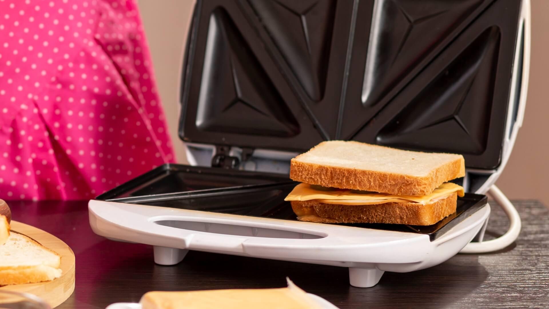 limpiar la sandwichera con bicarbonato