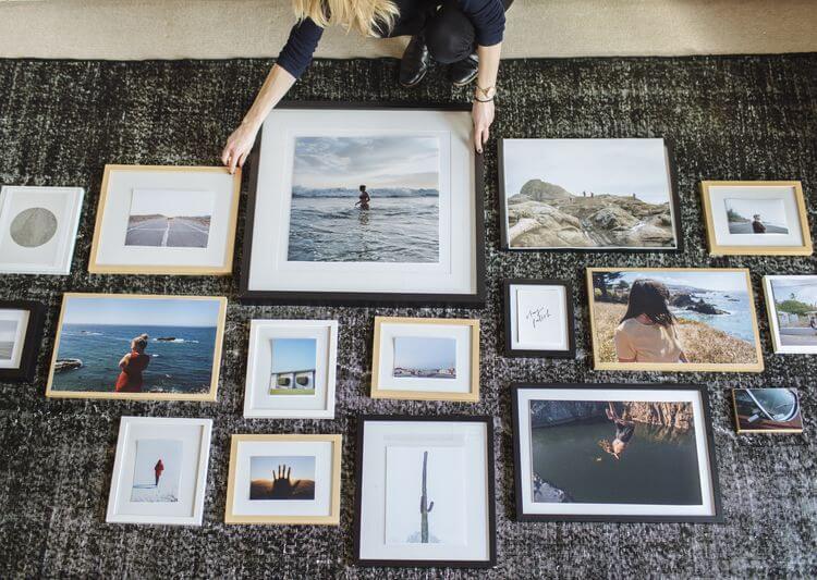 organizar fotos en una pared